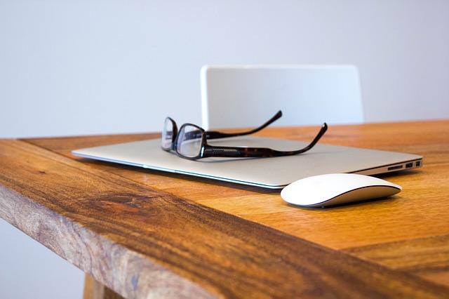A geração de leads proporciona ao empresário analisar quais são os métodos que estão trazendo mais retornos, o custo de cada lead, entre outros. benefícios / Fonte: Pixabay